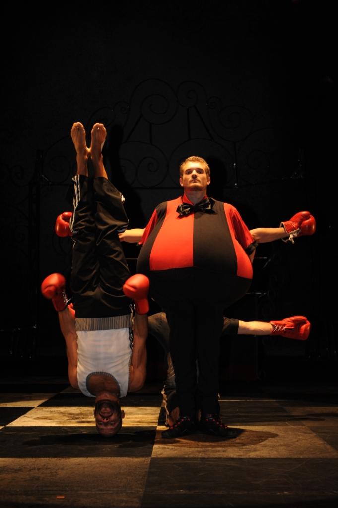 Boxe Boxe: l'ironia dell'Hip-Hop, tra danza e pugilato. Prima nazionale al Comunale di Ferrara