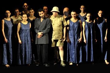 L'umana condizione dell'uomo contemporanea di Divenire animale. Teatro Paisiello di Lecce. Regia di Fabio Tolledi