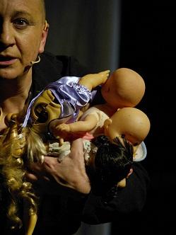 """Rompere il """"Silenzio"""" per denunciare la violenza sui minori. Patricia Zanco al Teatro Comploy di Verona"""