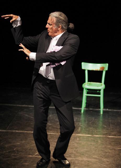 120 chili di jazz, César Brie diventa contrabbassista al Teatro Villa dei Leoni di Mira
