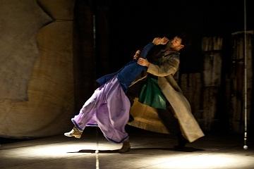 L'Amore Segreto di Amleto e Ofelia del Balletto Civile di Parma al Teatro Cuminetti di Trento