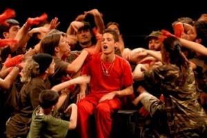 """La rivoluzione di versi e gioia: gli """"eretici"""" ragazzi di Martinelli"""