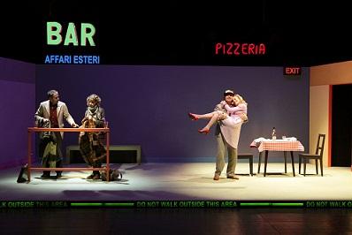 Exit, la storia di A e B, una coppia che non funziona più. Paravidino al Teatro Stabile di Bolzano