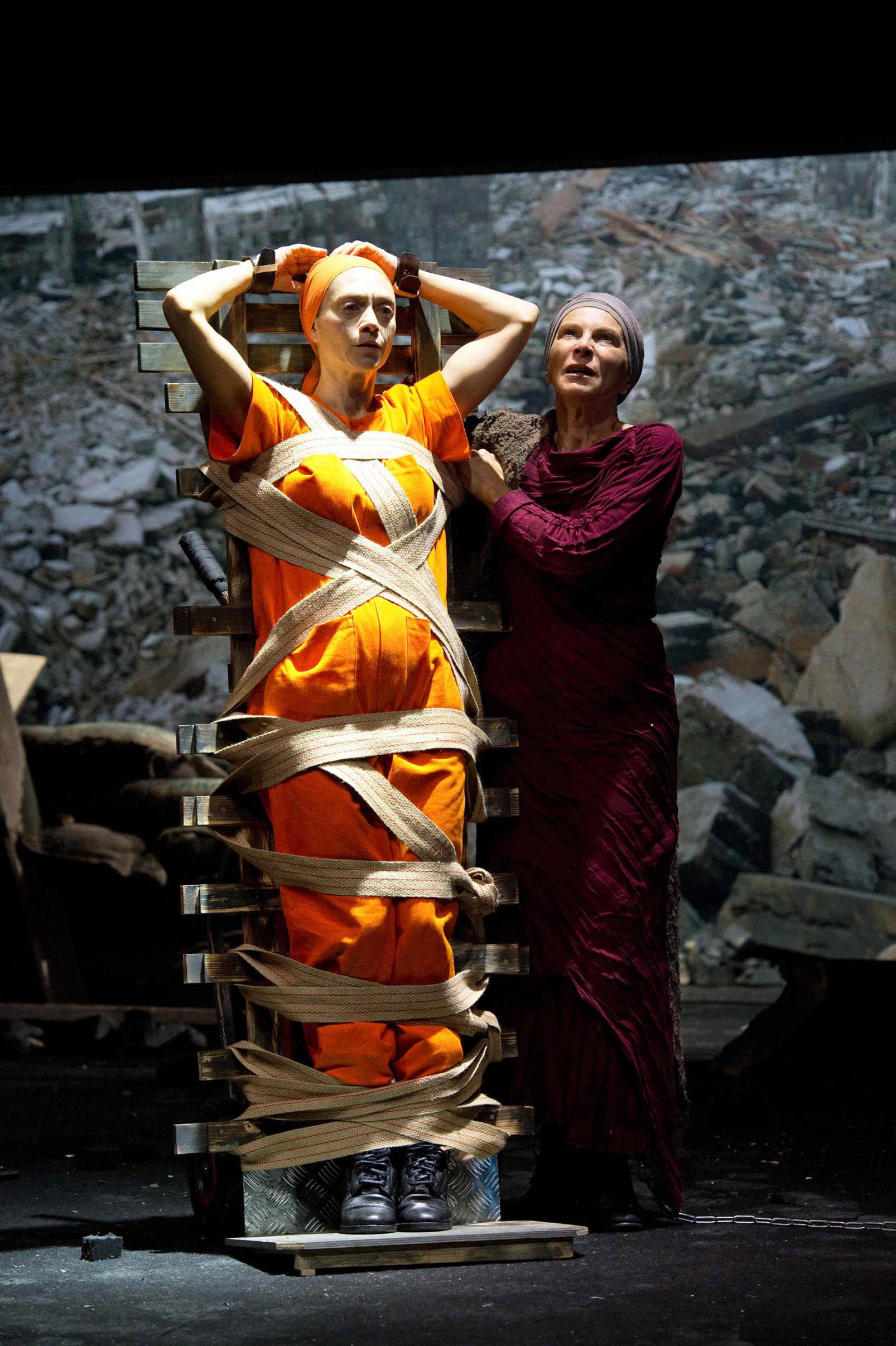 Troiane di Euripide apre la stagione del Teatro Stabile di Bolzano