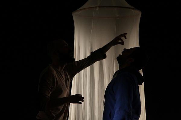"""Voci di dentro del gruppo """"Stranità"""" in prima nazionale al Teatro della Corte di Genova"""