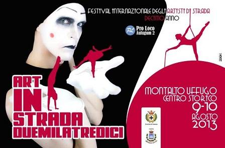 Artinstrada, il festival che anima Montalto Uffugo tra mangiafuoco, clown, giocolieri