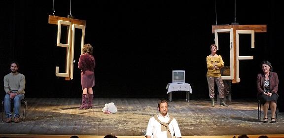 Un esito corale e sincero per 'Invidiatemi' di Tindaro Granata al Teatro Morelli di Cosenza