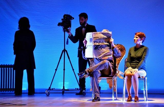 """""""Chi resta"""" e chi non c'è più. Storie di sofferenze e di stragi al Teatro Sala Fontana. Regia di Carmelo Rifici"""