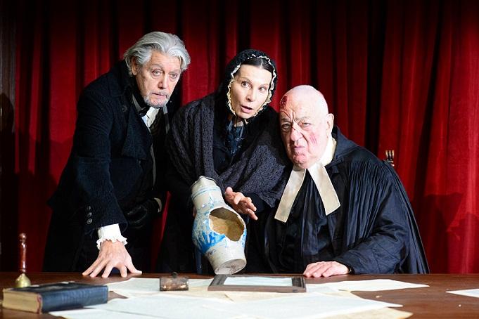 La brocca rotta di Kleist in prima nazionale al Teatro Stabile di Bolzano. Regia di Marco Bernardi