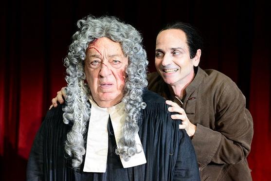 Teatro a confronto: La brocca rotta a Bolzano, L'officina storia di una famiglia a Trento. Il TSB si sdoppia
