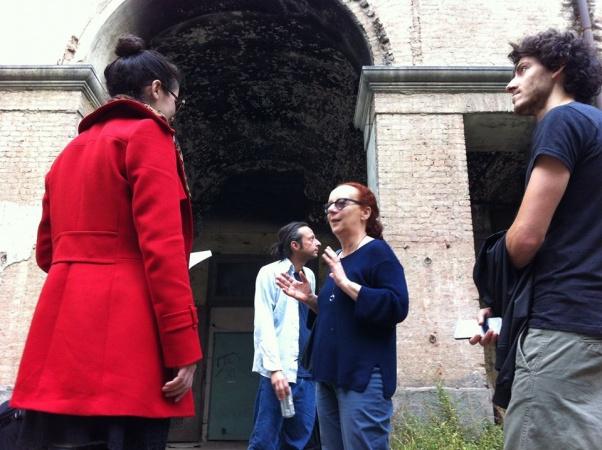 Laura Curino alla Cavallerizza occupata (fonte Assemblea Cavallerizza 14.45)