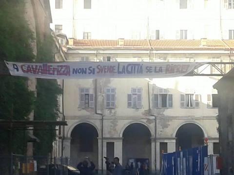 """La Cavallerizza di Torino occupata. Mario Martone appoggia """"Assemblea"""""""