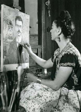 Frida Kahlo dipinge il ritratto del padre