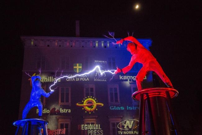 Il Festival Visualia di Pula (Istria). Videomapping e performance tecnologiche