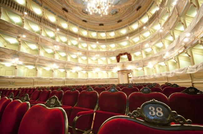 Teatro Zandonai foto di Alessio Periotto