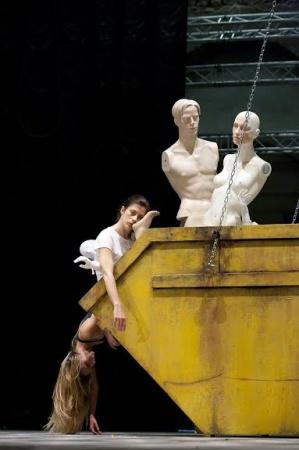 """Don Giovanni a """"luci rosse"""" al Teatro Fraschini di Pavia"""