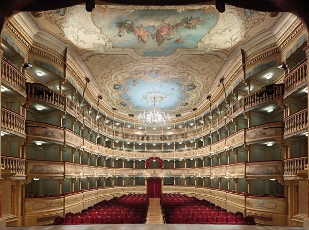 Il Teatro Zandonai: un passato glorioso, un futuro radioso