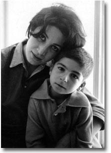 """Forugh Farrokhzad e Hossein Mansouri : """"E' solo la voce che resta"""", tra poesia pura, caso e necessità."""