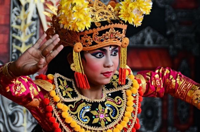 Gara Danza Barong Bali 03 2013 rebeccatrex