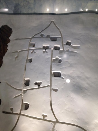 Riproduzione delle gallerie che formavano la città di ghiaccio