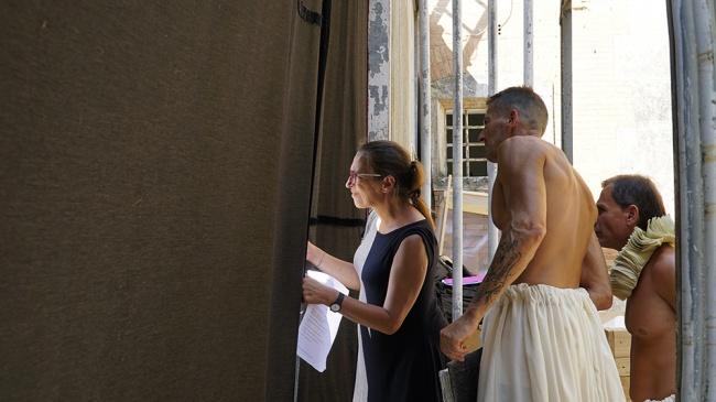 foto dal backstage di Know Well regia di Armando Punzo, crediti di Marco Marzi