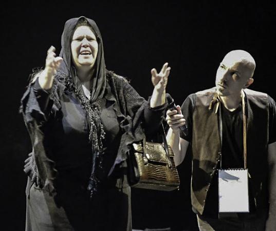"""Lo sguardo su """"Brecht con altri occhi"""", scruta il suo teatro"""