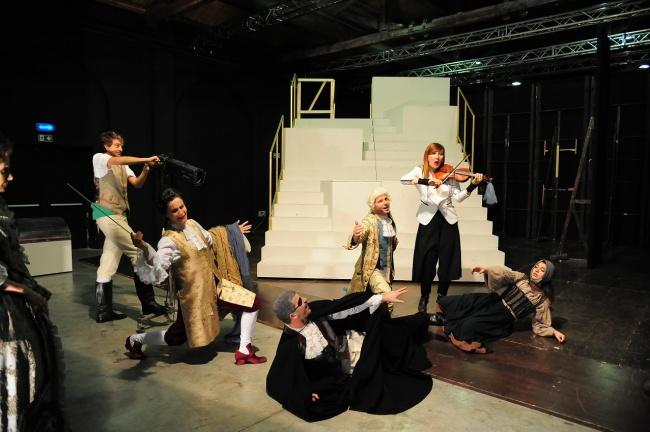 Candide di Mark Ravenhill - regia Fabrizio Arcuri - foto Achille Le Pera .