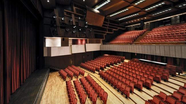 Platea del Teatro Comunale di Bolzano (crediti foto Seehauser)