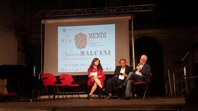 Puglia e Crocevia Balcani uniti dall'arte e il teatro