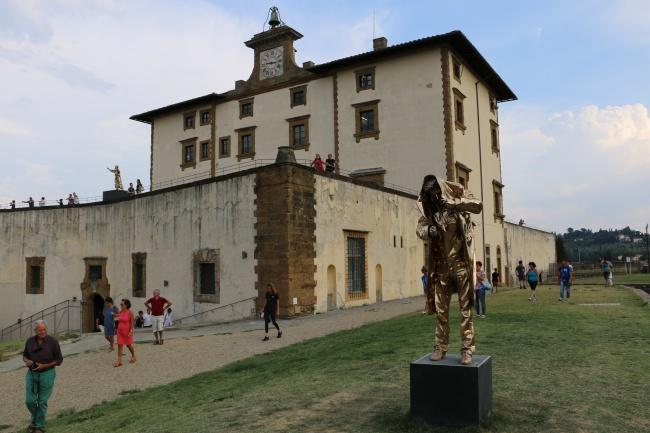 Spiritual guards di Jan Fabre proteggono Firenze
