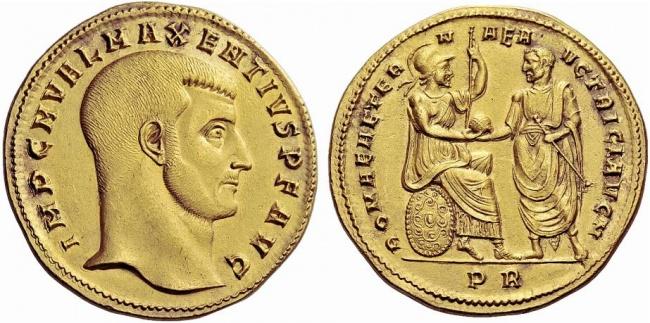 medaglione-aureo-Massenzio con Roma detiene i segni del potere imperiale