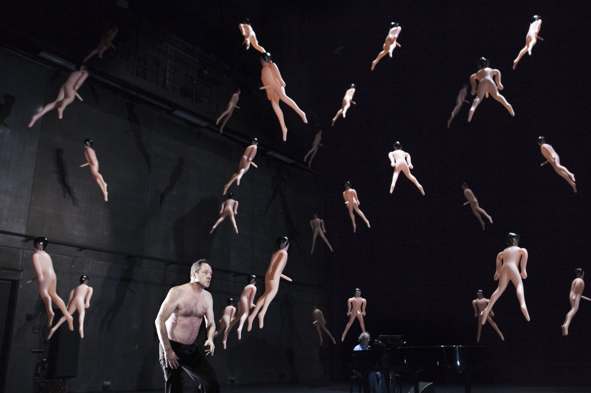 The Year of Cancer regia di Luk Perceval al Piccolo Teatro di Milano