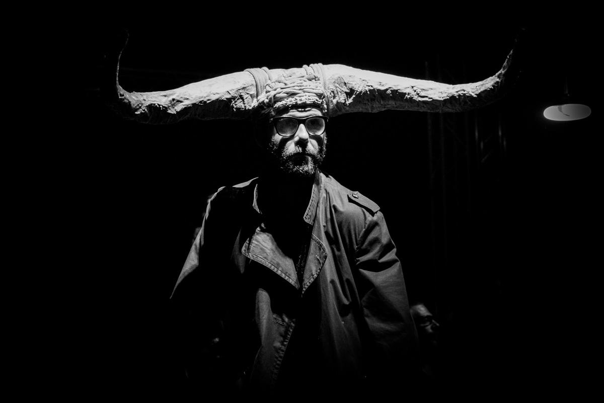AXTO – Oratorio per corpi e voci dal labirinto in prima nazionale al Teatro della Tosse di Genova