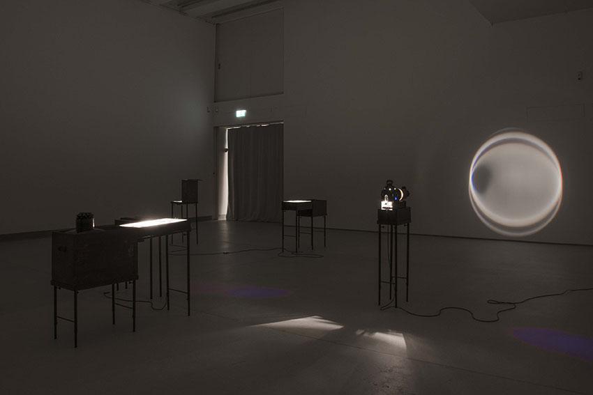 Gli Impresari Il lanternista Installazione Courtesy gli artisti e Associazione Culturale Dello Scompiglio