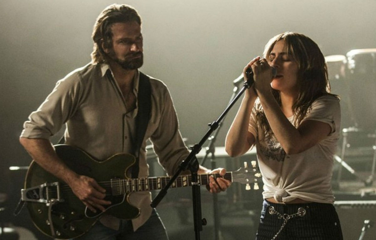 """A Star Is Born"" a metà tra il documentario e il road movie con Lady Gaga"