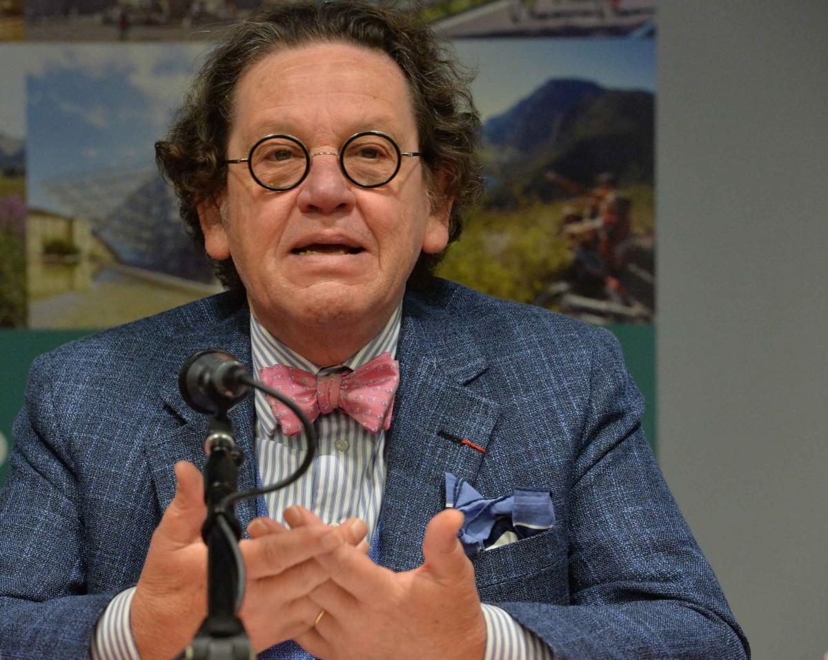 Philippe Daverio al Festival del Turismo Medievale dove vino e cultura si incontrano a Trento