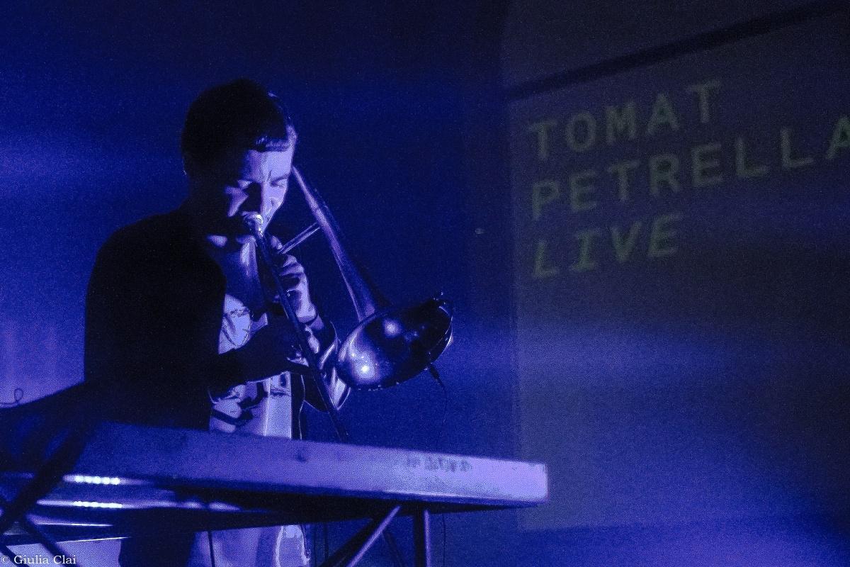 Tomat Petrella un viaggio siderale e psichedelico