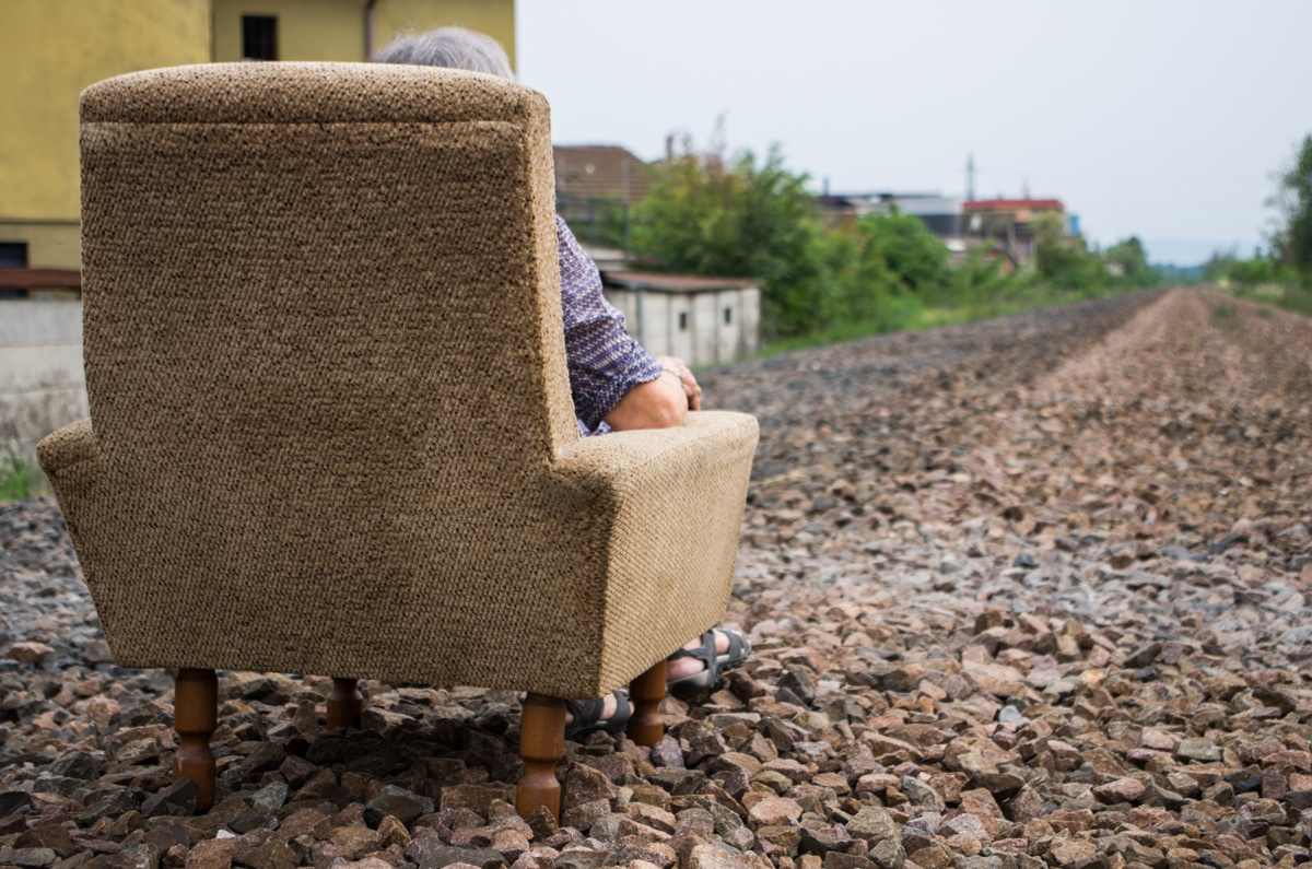 Periferico performance urbana foto di Chiara Ferrin