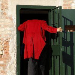 """Il progetto """"Passi Sospesi"""" Balamòs Teatro – Michalis Traitsis, (Istituti di Pena di Venezia), rinviato a data da destinarsi."""