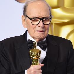 Ennio Morricone una vita dedicata alla musica e al cinema. Premio Oscar e artista indimenticabile