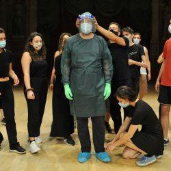 L'arte di curare e di raccontare di Roberto Gandini al Teatro Argentina. Storie vissute degli infermieri