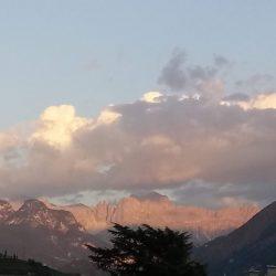 Le Dolomiti al tramonto nel regno dei Fanes, tra leggende e storia.