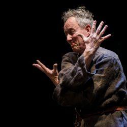 Jacob Olesen: recital Il cavaliere inesistente di Italo Calvino.